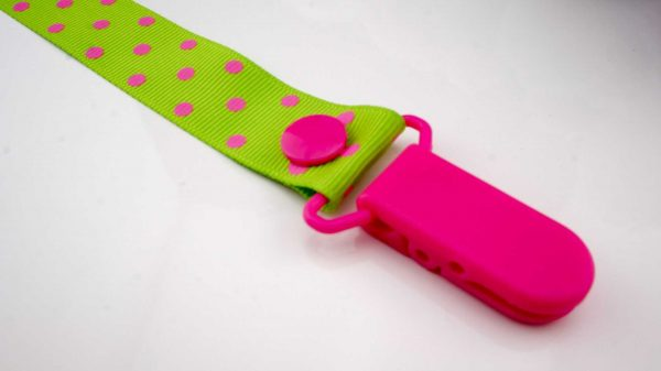 Spots Pink on Green – Pink Clip 2